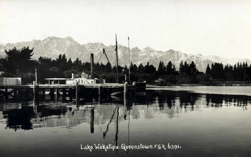 Lake Wakatipu Queenstown 2 - FGR - RPPC