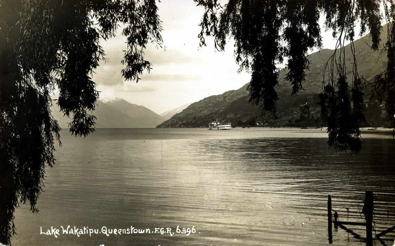 Lake Wakatipu Queenstown 3 - FGR - RPPC
