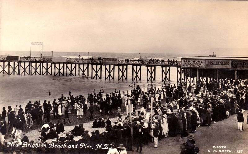 No.157 - New Brighton Beach and Pier, N.Z